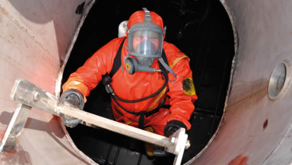 ltd represents and closely cooperates with companies specializing in the tank cleaning of oil tankers a necessary task for accepting oil tank cleaning equipment